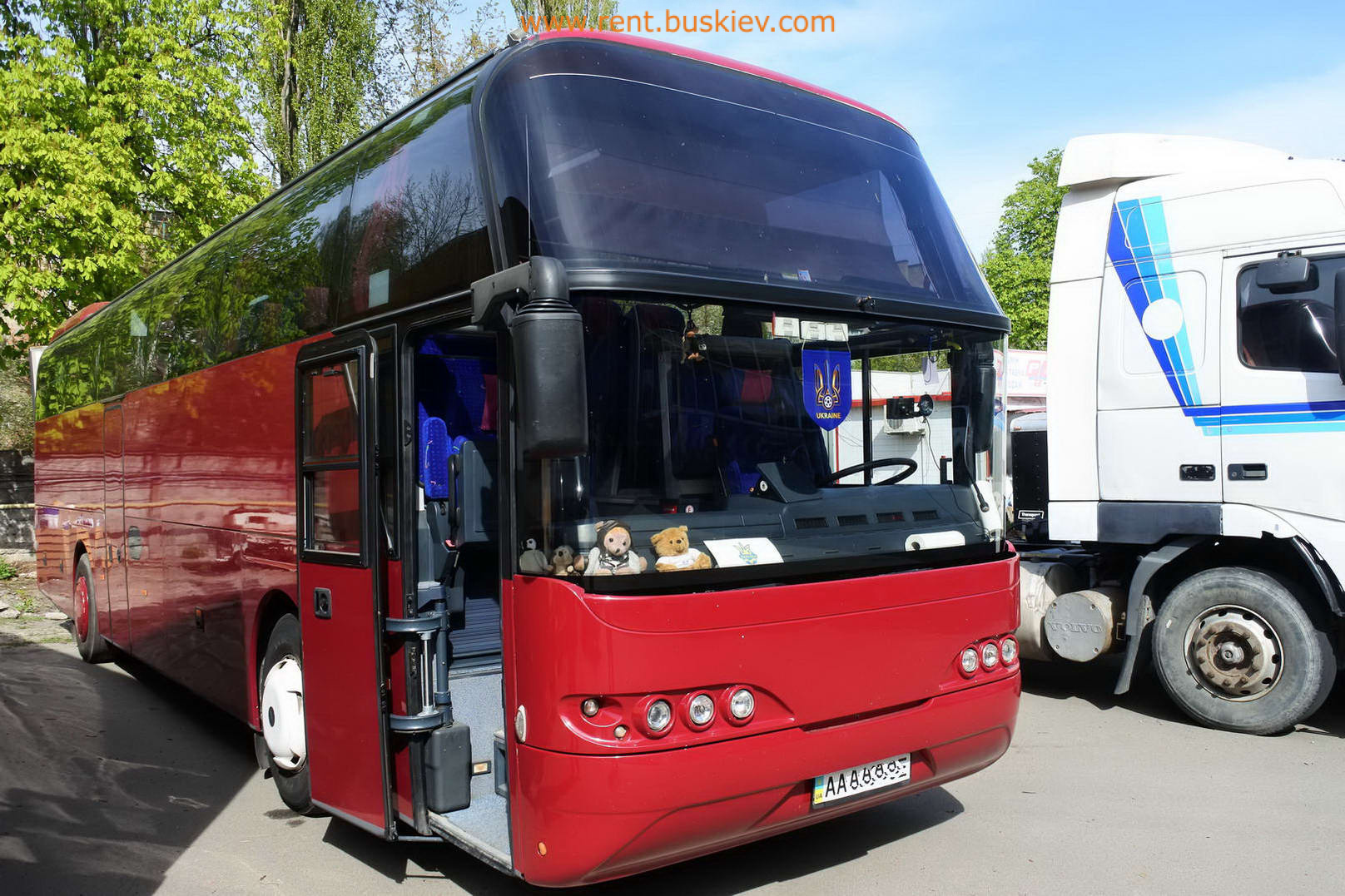2003_neoplan116_red_2