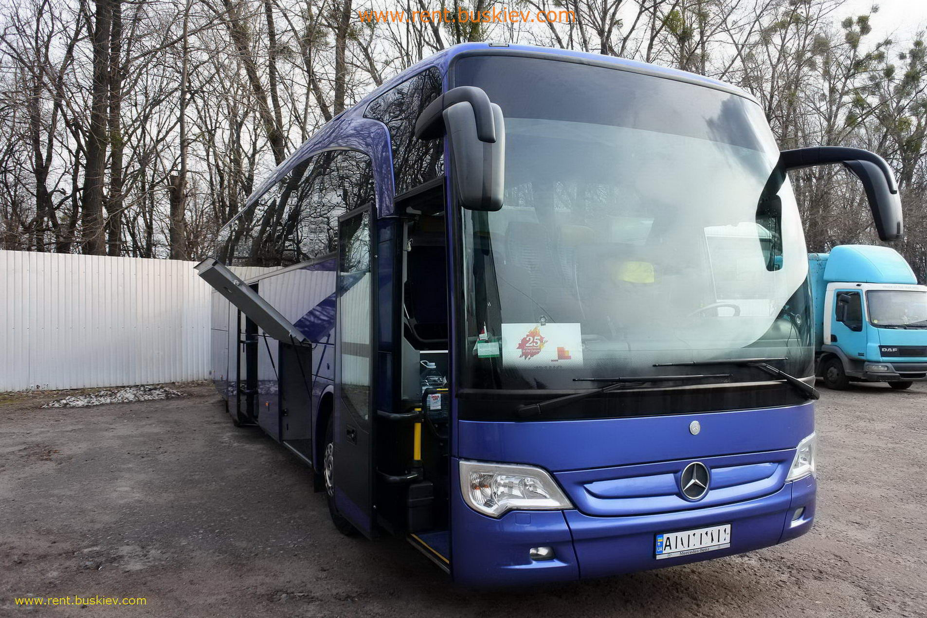 2012_mb_travego_49s_bl_3