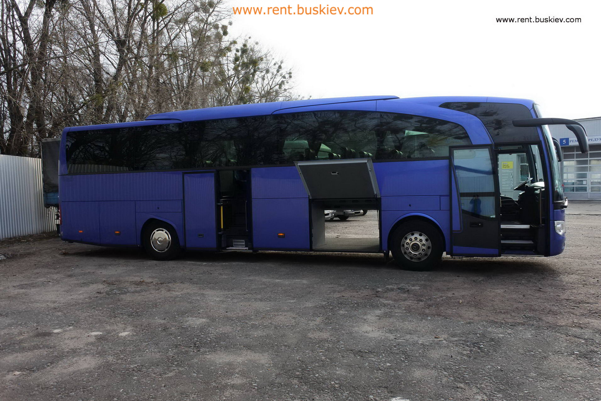 2012_mb_travego_49s_bl_11