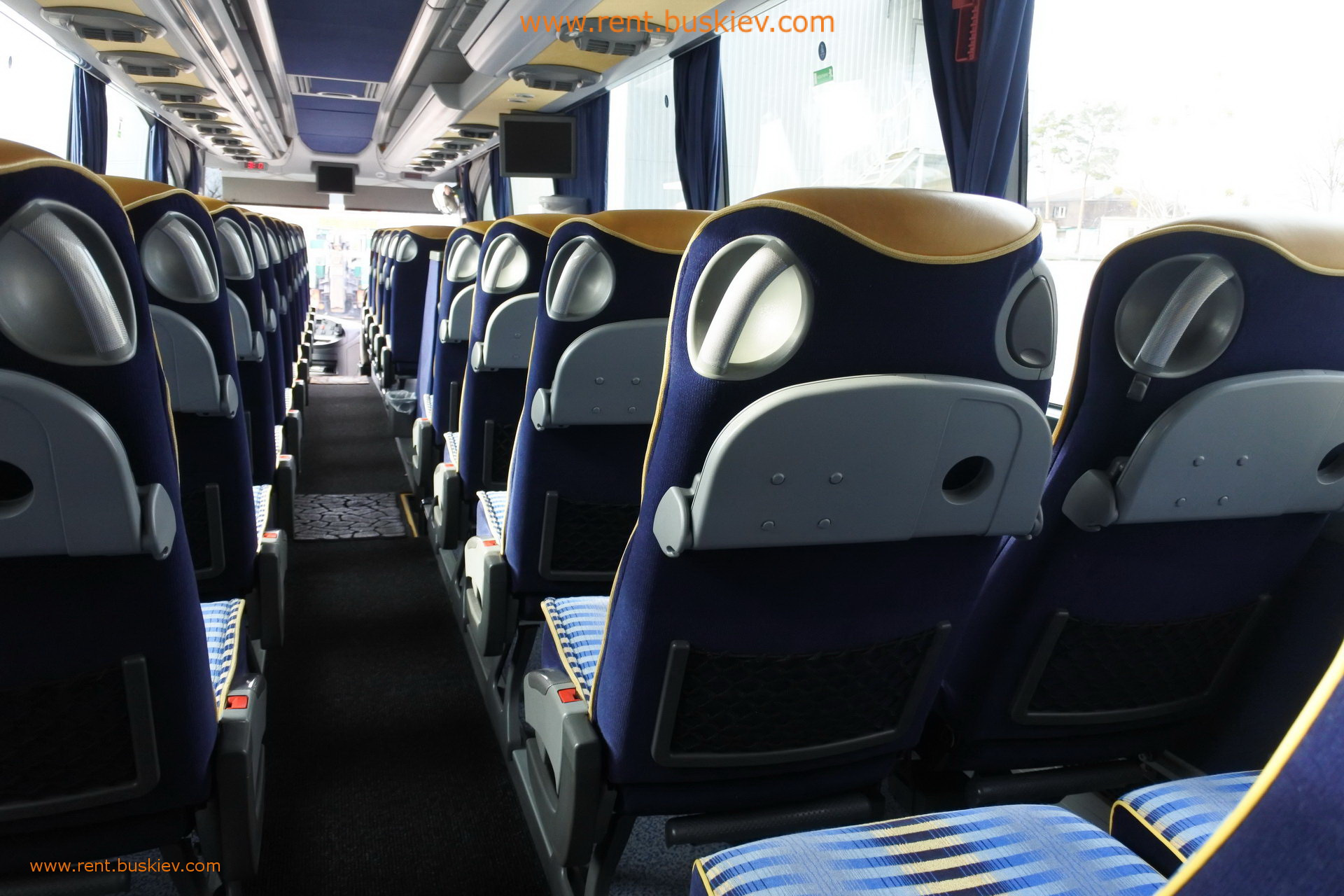 2012_mb_travego_49s_bl_45